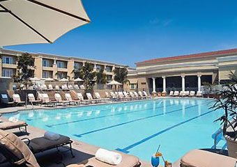 pet freindly hotel in newport beach